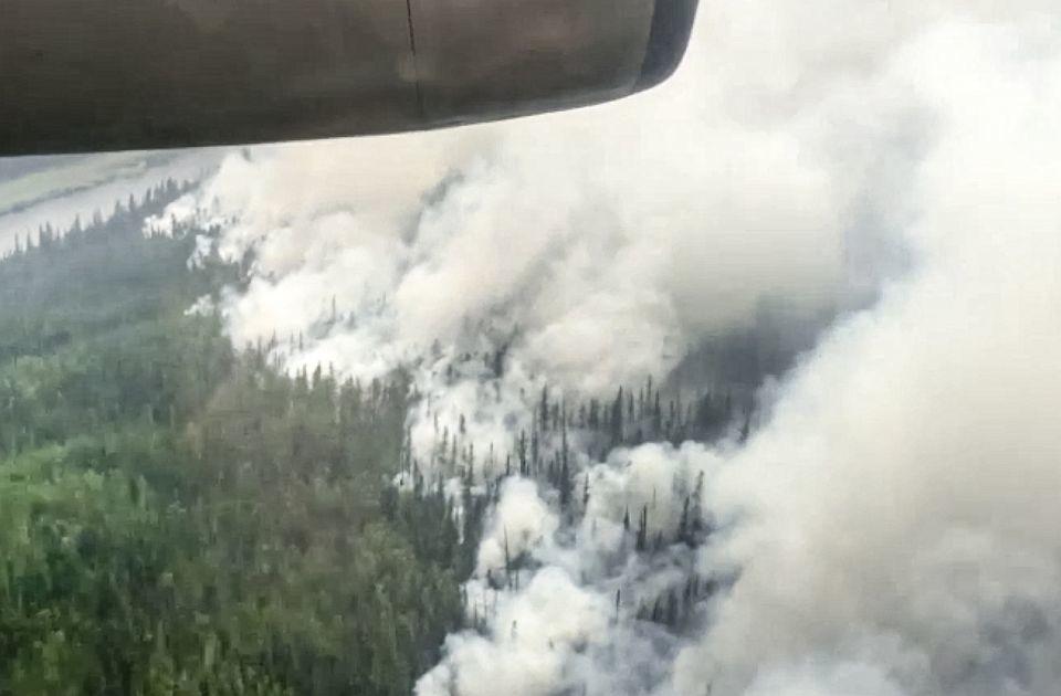 FOTO: Oko 200 šumskih požara u Sibiru
