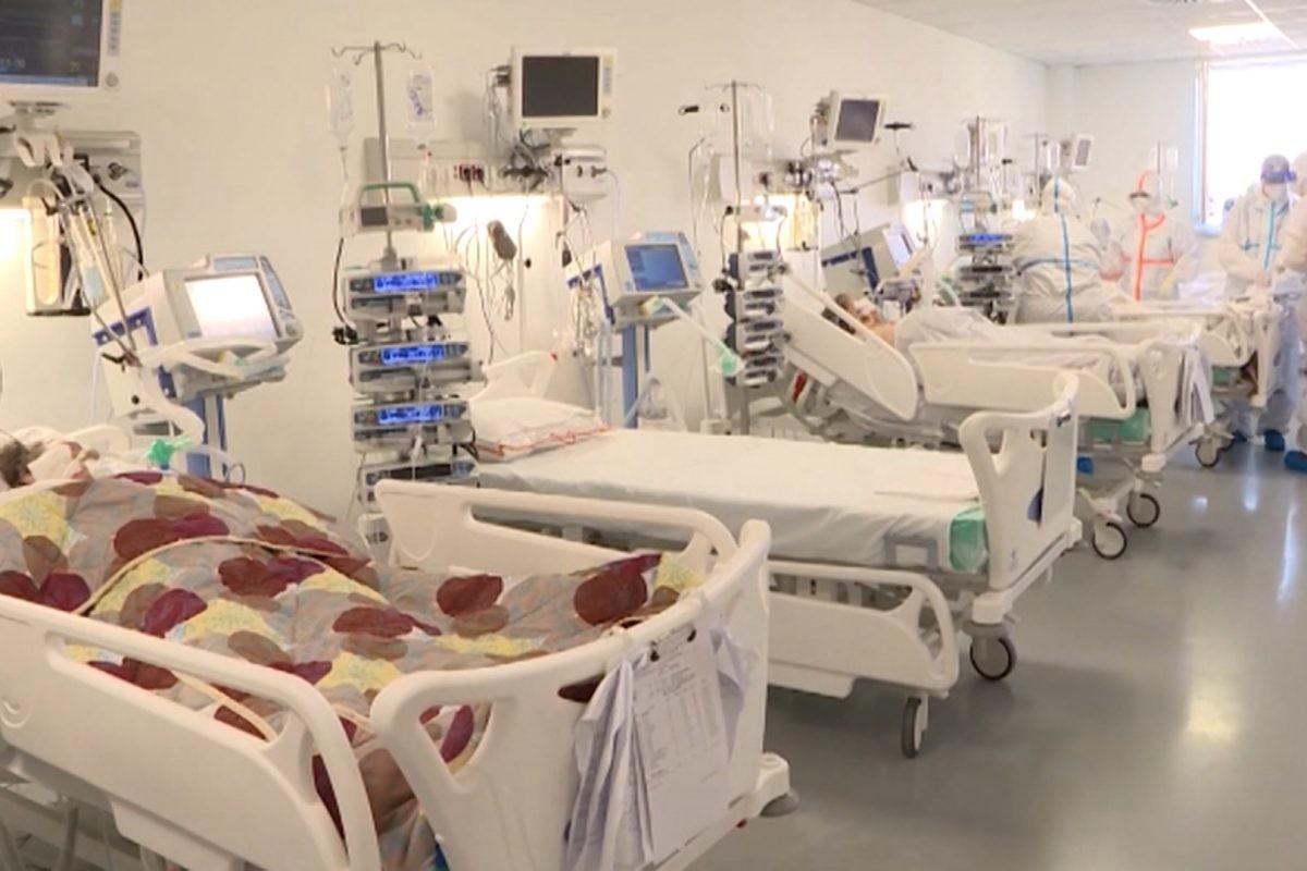 Direktorka Batajnice: U bolnici više nema mesta, i cele porodice zajedno u sobi