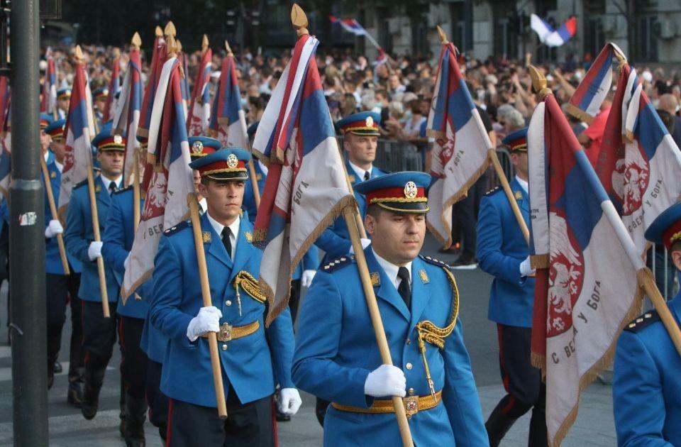 FOTO: Svečano obeležen Dan srpskog jedinstva uz defile, centralna manifestacija na Savskom trgu