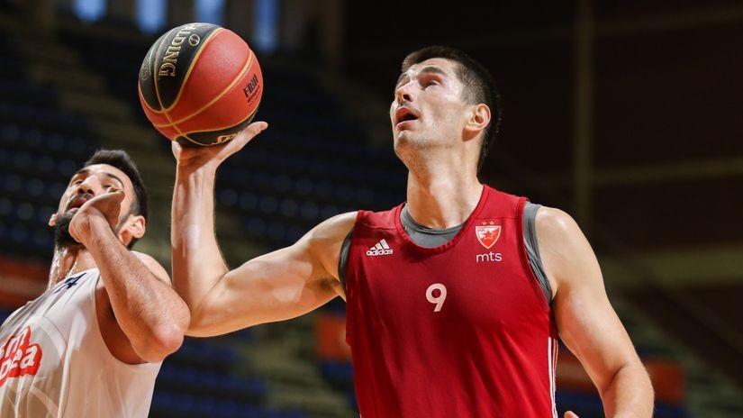 Radonjićeva Zvezda se nikad ne predaje - Lazić je trojkama oživeo, Mitrović sa zvukom sirene doneo pobedu