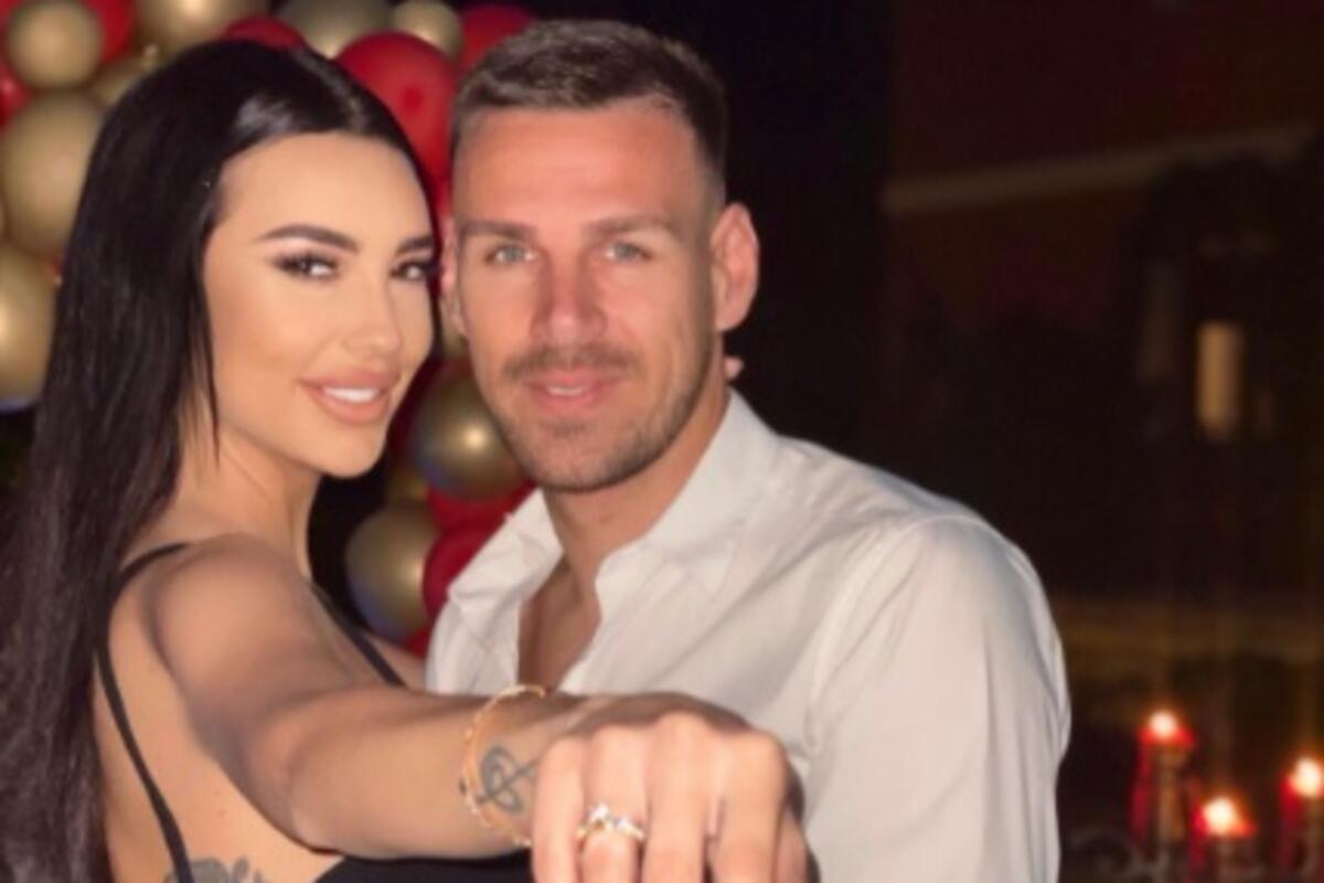 VERUJEM DA ĆU BITI SA NJIM DO KRAJA ŽIVOTA! Doživela je čaroban trenutak kada je Marko zaprosio, uskoro i svadba!