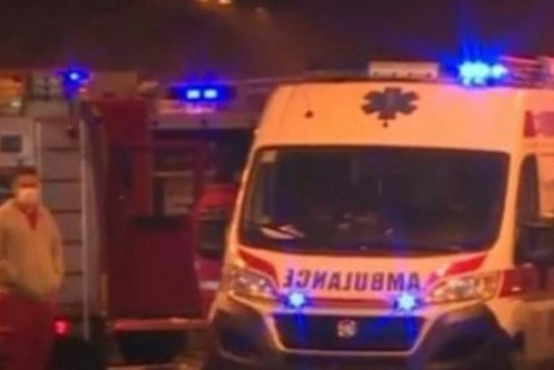 TEŽAK UDES U ŽELEZNIKU: Prevrnuo se auto sa pet putnika!