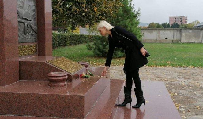 Obeležen Dan oslobođenja Niša! Anom Grozdanović položila cveće na Spomenik stradali sovjetskim vojnicima!
