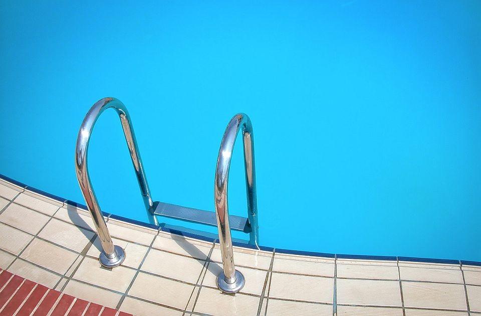 Pola miliona iz budžeta za analizu vode u bazenima koje koristi Tomislav Nikolić