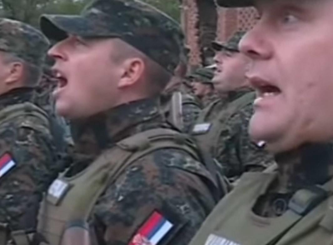 """""""Odlazimo na Kosovo ravno!"""" Grmi u Raškoj, Žandarmerija peva himnu KOSOVSKIH JUNAKA (VIDEO)"""