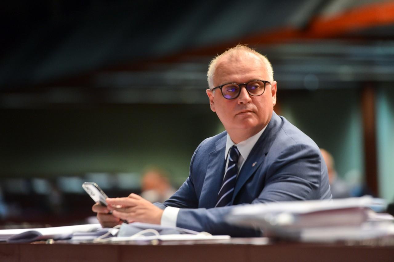 Vesić: Investitor u Bloku 37 prihvatio moju molbu da obustavi radove