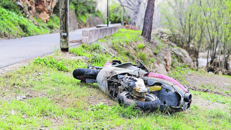 DVE SAOBRAĆAJNE NESREĆE KOD PIROTA Poginuo motociklista (35), povređene 2 osobe