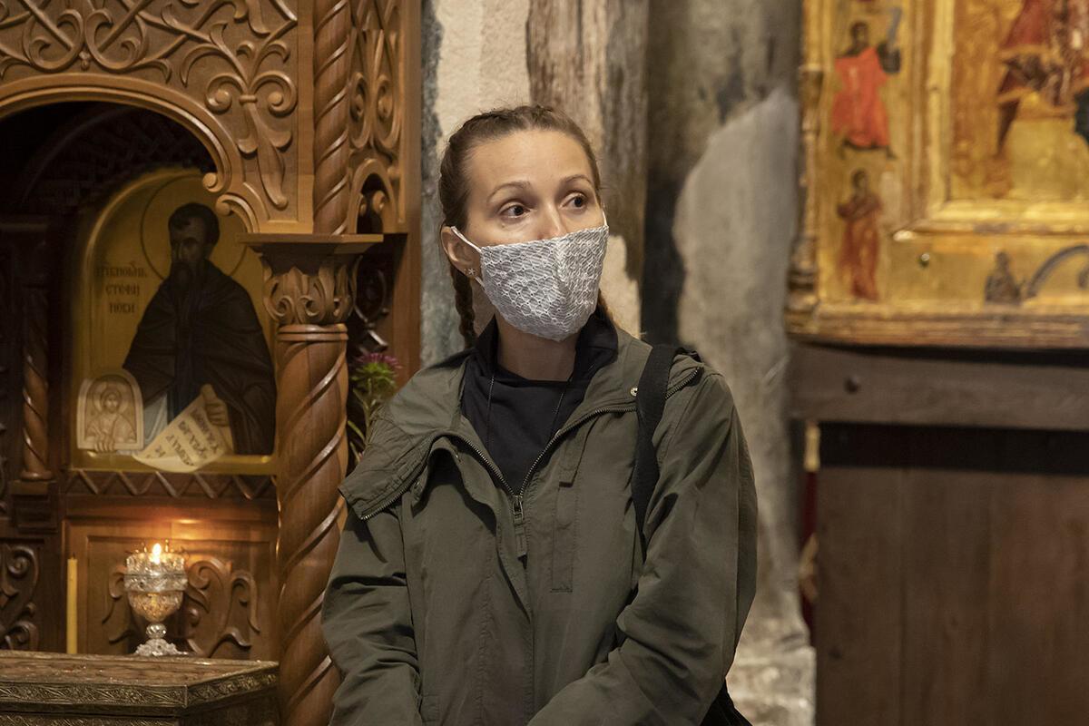 VELIKO SRCE ĐOKOVIĆA: Jelena posetila manastire na Kosovu i Metohiji i donela HUMANITARNU POMOĆ! FOTO