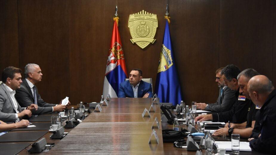 """Ministar Vulin sa predstavnicima """"Crvene zvezde"""" i """"Partizana"""" o merama bezbednosti za predstojeći 165. derbi"""