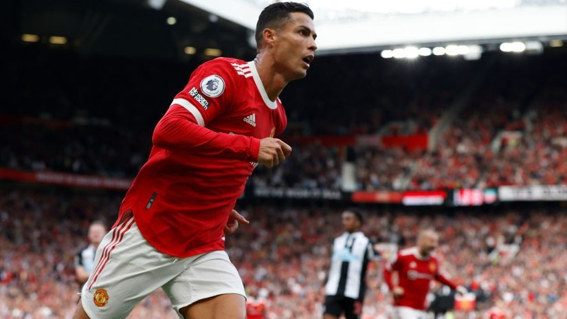 Ne može Junajtedova odbrana da primi, koliko Ronaldo može da postigne golova (VIDEO)