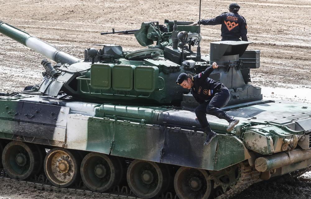 TURSKE SNAGE SU NESPOSOBNE, DOVELE SU CIVILE U OPASNOST: Ruski admiral osuo drvlje i kamenje to Erdoganovoj vojsci
