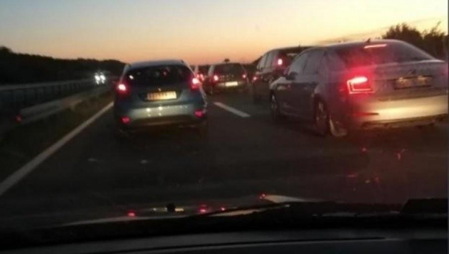 UDES KOD VELIKE PLANE: Usporen saobraćaj na ovoj deonici autoputa
