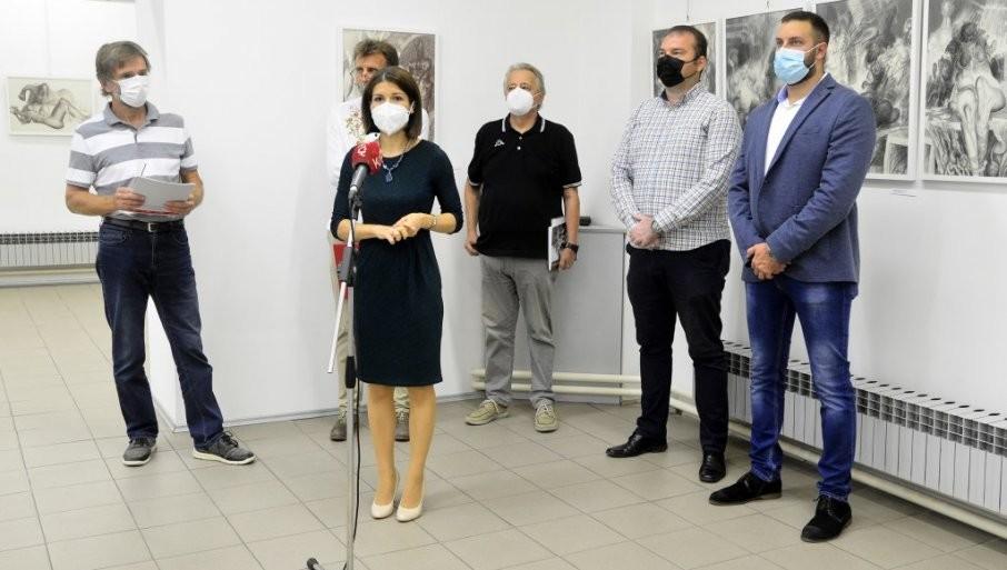 RETROSPEKTIVA CRTALAČKOG OPUSA: Izložba dela LJubodraga Jankovića u Jagodini (FOTO)