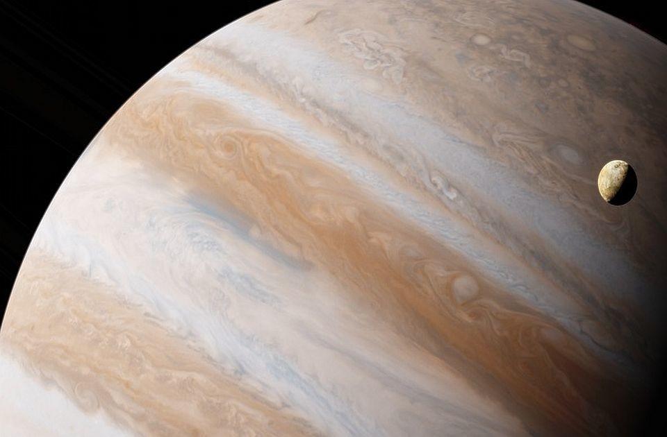 FOTO: Džuno poslao fotografije Jupiterovog meseca