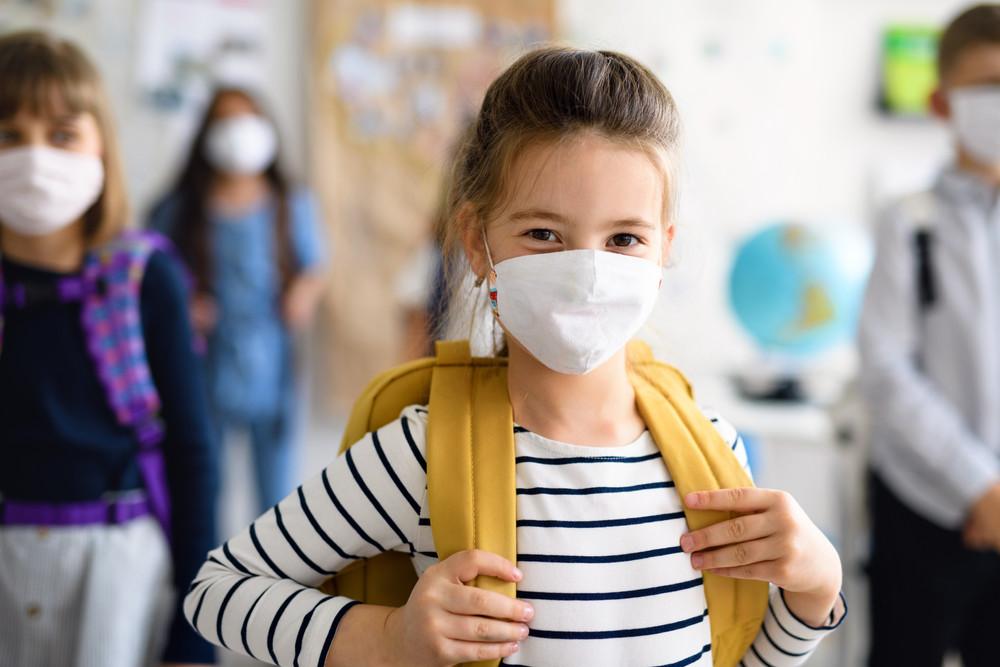 Porast broja zaraženih učenika i nastavnika koronavirusom