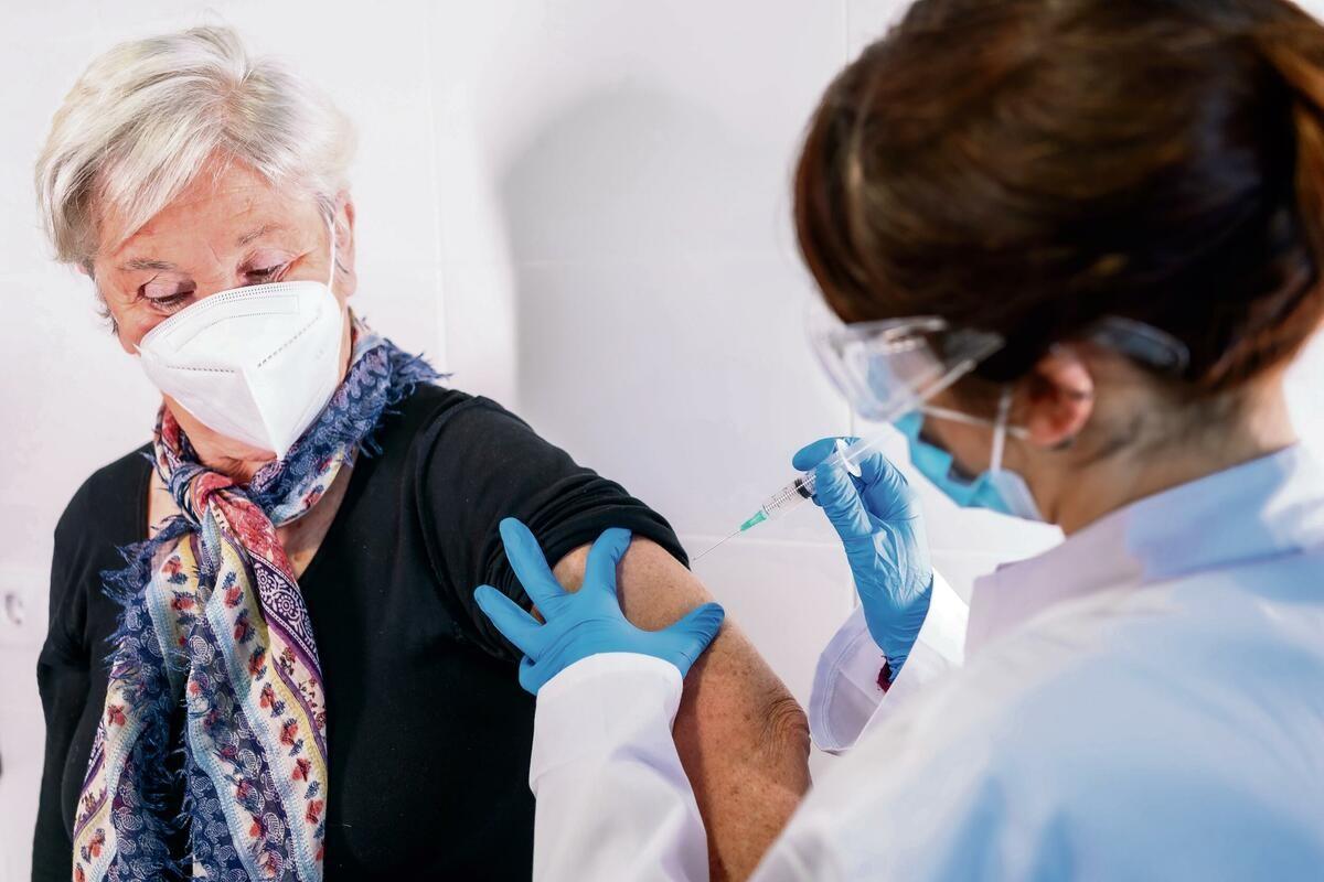 POBEDA NAD KORONOM VEĆ U JUNU: Aktivnost virusa u padu, vakcinacija daje rezultat! Treba da budemo ponosni na sebe!