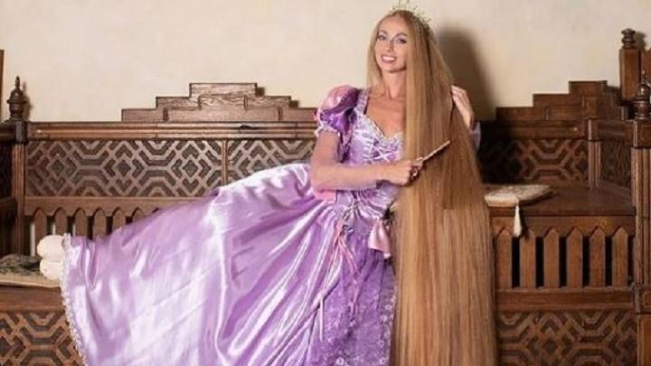 Prava Zlatokosa: Ima kosu od dva metra i brojne obožavaoce