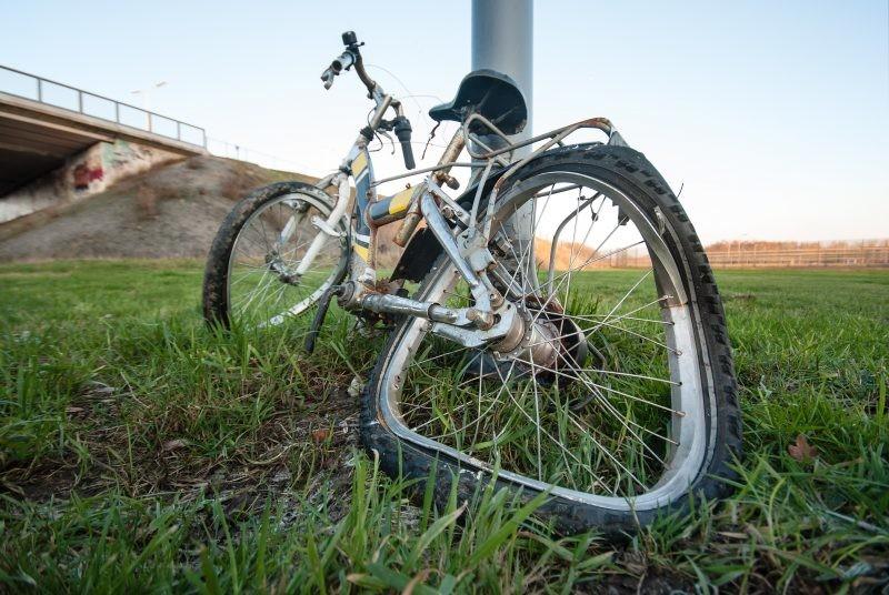 U UŽASNOJ nesreći poginuo dečak: Udario ga kamion dok je vozio bicikl, imao samo DESET godina