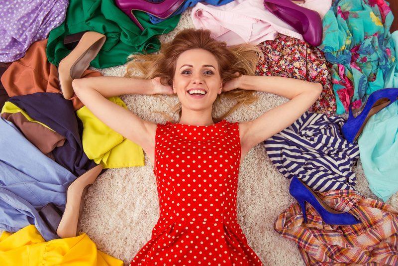 Vreme je da OČISTITE svoj garderober i da ih se otarasite: Četiri jesenja trenda koji to više NISU