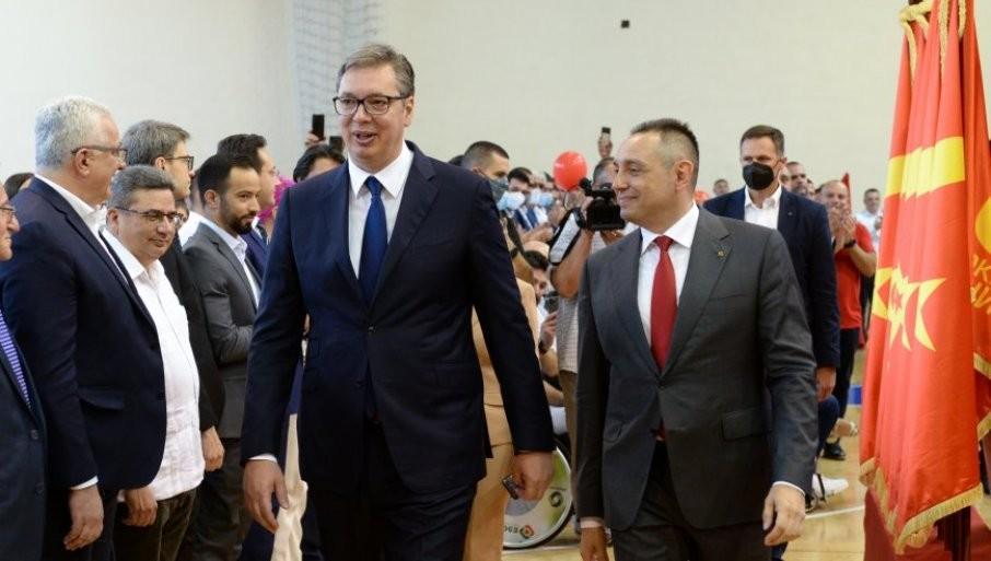 VULIN POSLAO JAKU PORUKU: Zahvaljujući predsedniku Vučiću, Srbija se uspešno izborila sa migrantskom krizom
