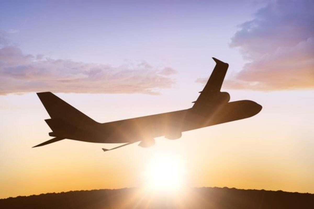 MAKLJAŽA: Zbog odloženih letova putnici držani u boksevima u CG?!