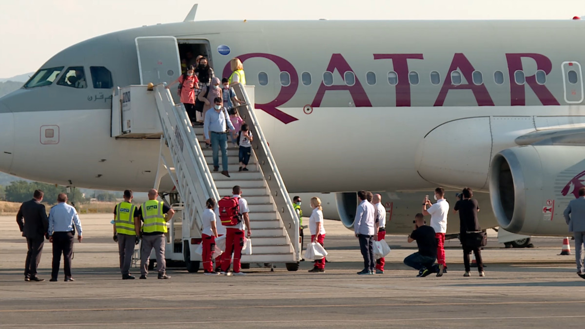 Druga grupa Afganistanaca stigla u Skoplje