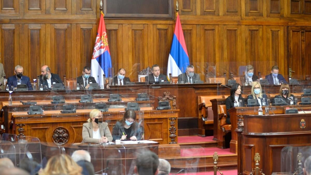 Skupština Srbije usvojila Zakon o ćirilici