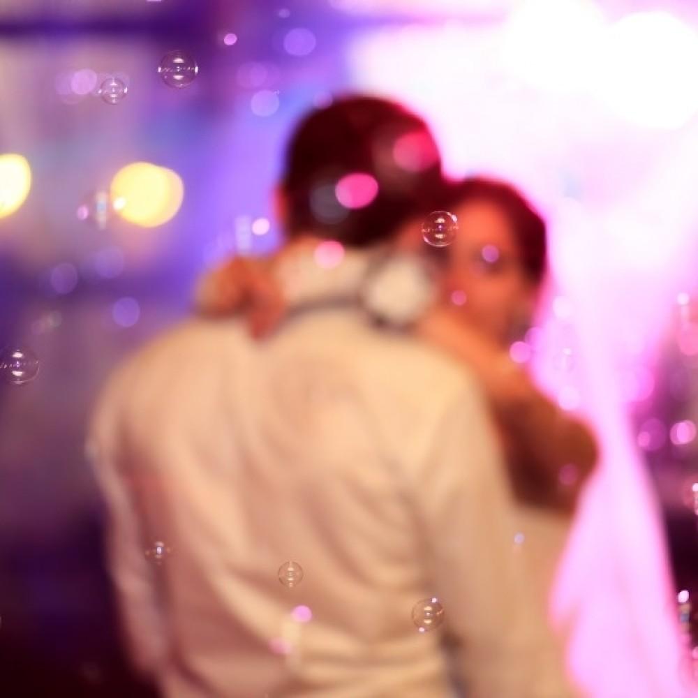 Noć pred venčanje rekao joj je da jedva čeka da se oženi njom, na dan svadbe priredio joj je ŠOK KAKAV SE NE PAMTI