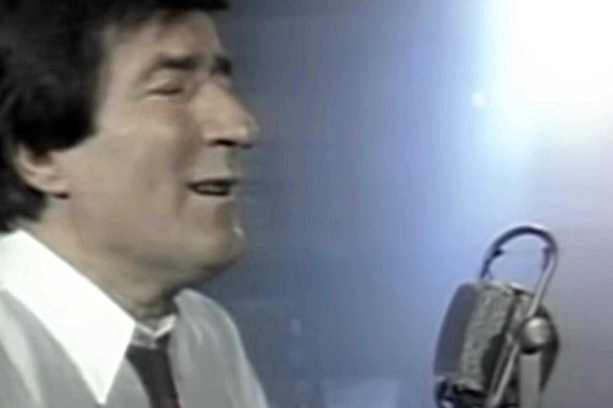 TOMA ZDRAVKOVIĆ MNOGE ŽENE JE VOLEO, A SA NJOM OSTARIO: Evo kako izgleda Gordana i kakav joj je bio BRAK sa legendarnim pevačem!