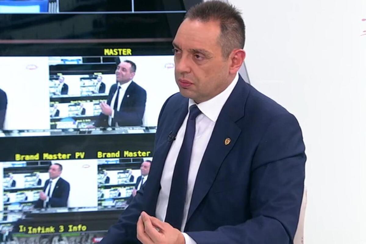 VULIN: Vučić nije prisluškivan jer komunicira s kriminalcima! U 1.882 razgovora nema nijedne kompromitacije