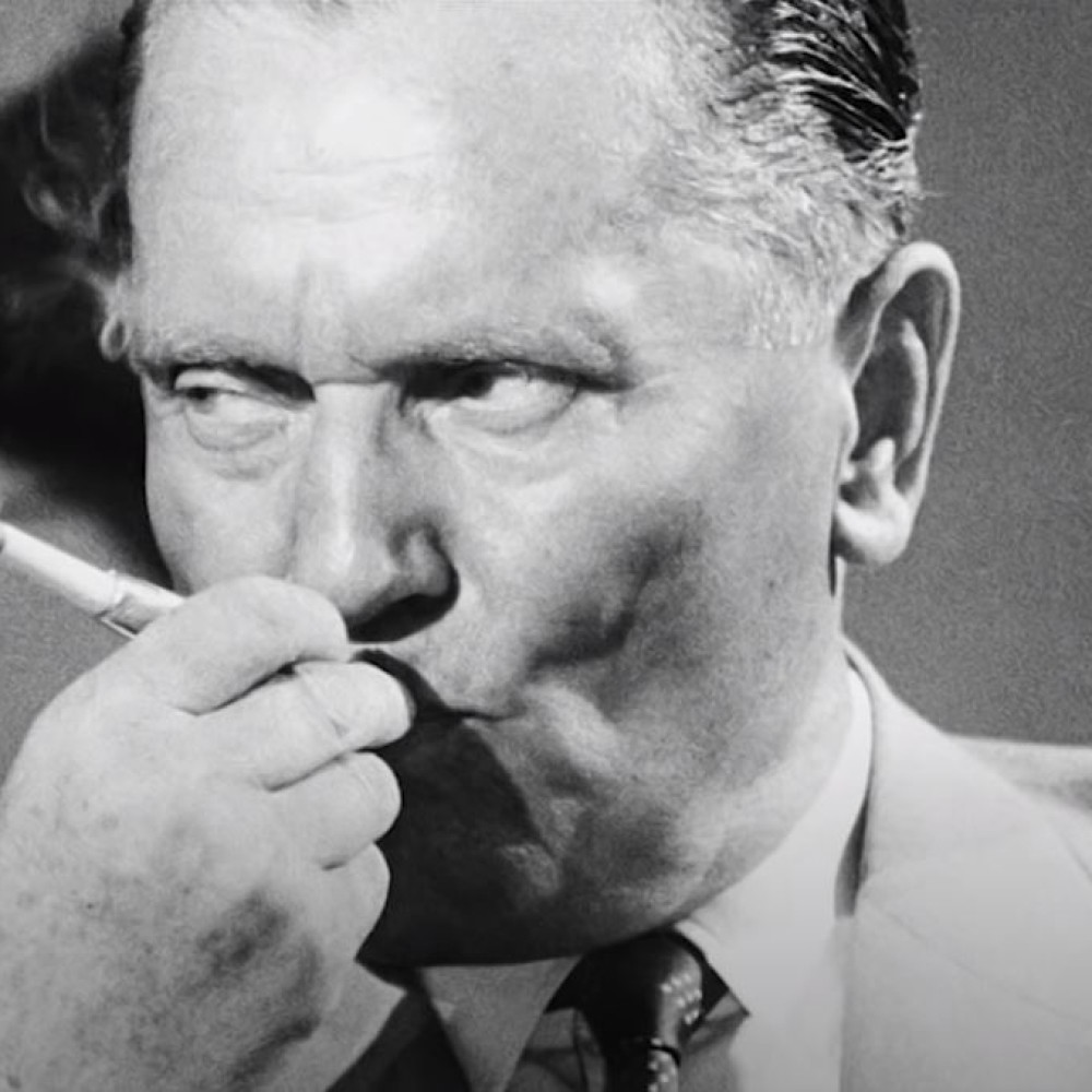 Nakon 30 sekundi tišine jednom rečenicom zavio je Jugoslaviju u crno: UMRO JE DRUG TITO!