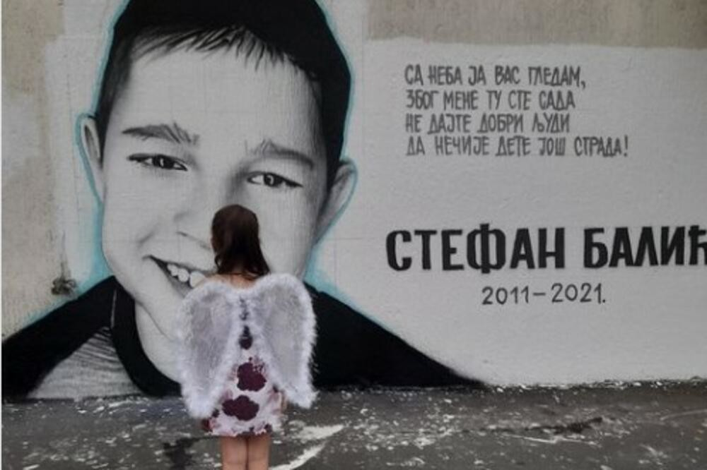 """Mali Luka (4) saznao da mu je POGINUO brat Stefan: """"Kao da mi je neko odvalio pola srca"""" (VIDEO)"""