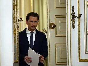 Курц поднео оставку, Шаленберг нови аустријски канцелар