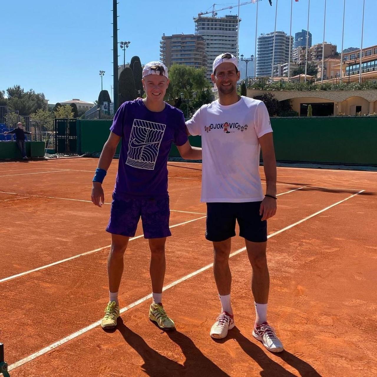"""""""Pe***čino, igraš kao pi***ca!"""" """"Novi Rafa"""" napravio skandal kakav se ne pamti na teniskom teneru - nedavno trenirao sa Novakom, a sada ga čeka kazna od ATP! /VIDEO/"""