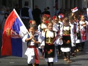 """Обележен Дан традиције – народне ношње, дефилеи и награде за најбоље на конкурсу """"Бирам Србију"""""""