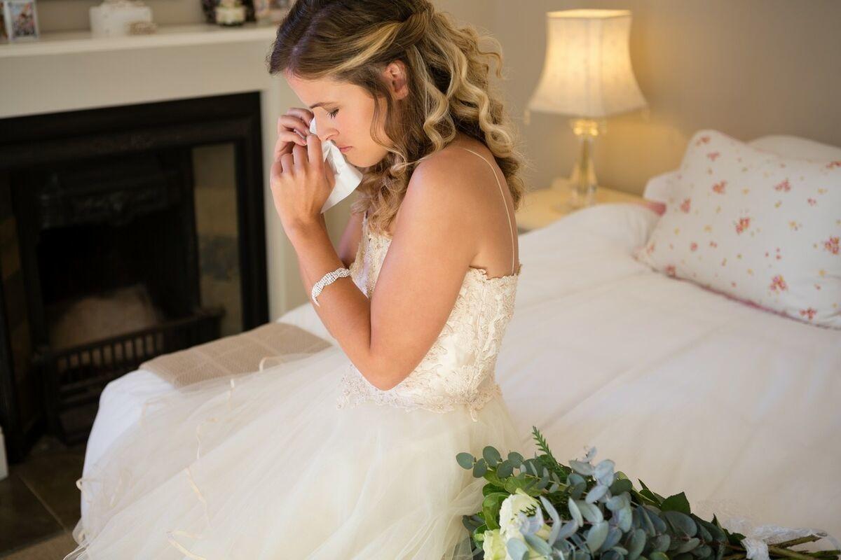 EMA SE RADOVALA VENČANJU IAKO JOJ JE MAJKA UMRLA: Pre svadbe je dobila nešto što ju je slomilo! (FOTO)