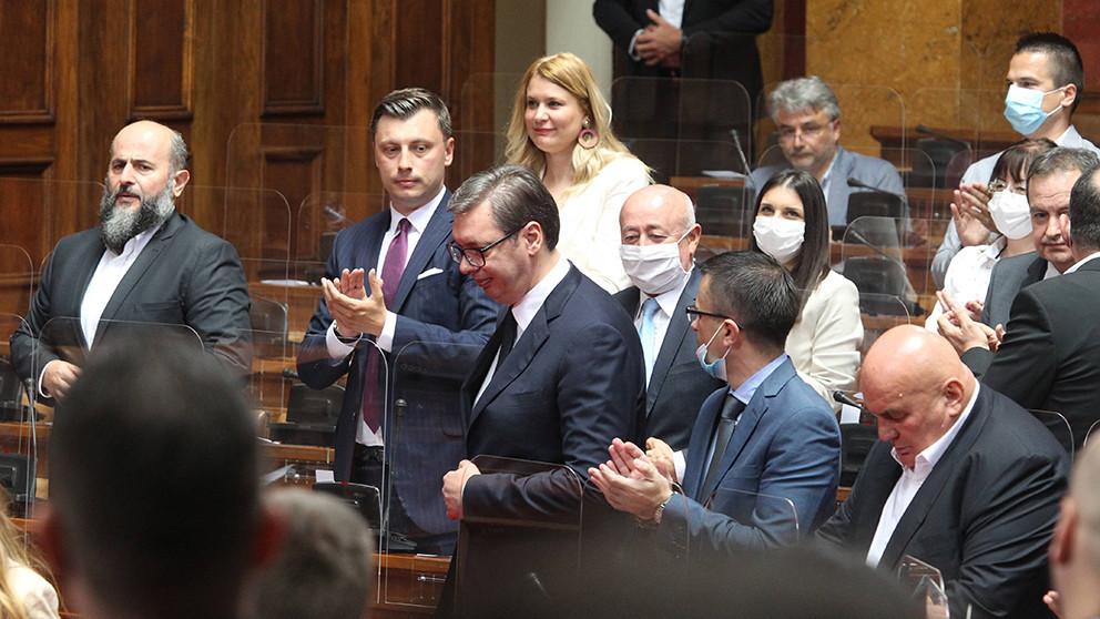 Poslanici aplaudirali Vučiću 23 puta