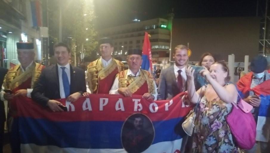 STIGLA BRAĆA IZ HERCEG NOVOG: U Beograd došli na veliki praznik (FOTO)