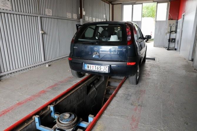 Registracija vozila po starom do daljeg, odlaže se primena pooštrenih uslova