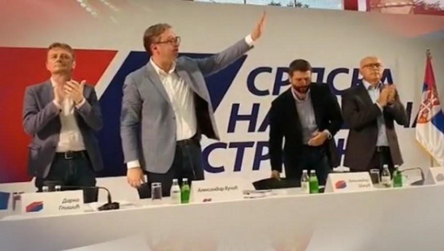 JAKA PORUKA VUČIĆA: Zajedno još snažnije za narod Srbije, u SNS ima mesta za sve poštene i vredne ljude! (VIDEO)