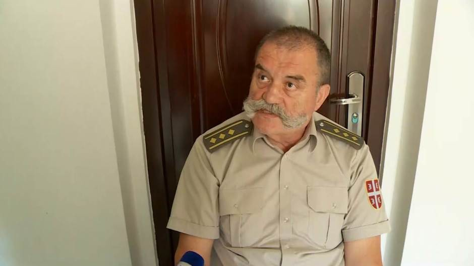 Vučić: Pukovnik Lalović iseljen po zakonu, spreman sam da mu pomognem