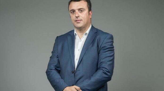 """Muhović napustio Bosnjačku stranku i prešao u SPP, pa poručio: """"Jedini lideri Bošnjaka u Crnoj Gori su Zukorlić i Kalač"""""""