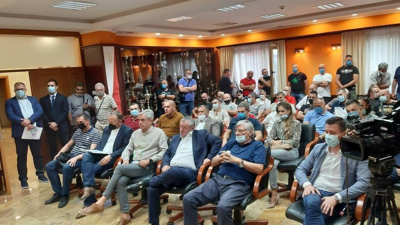 Vošina vanredna sednica Skupštine kratko trajala: Članovi odbili predlog Dnevnog reda