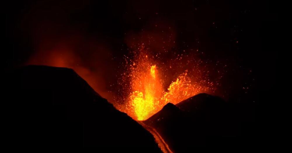 ETNA PONOVO RADI: Skok lave juče premašio visinu od 1.500 metara (VIDEO)