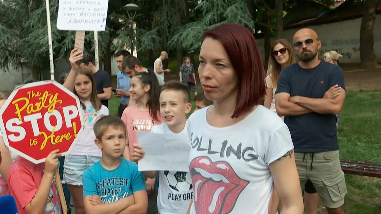 Protest građana Karaburme zbog izgradnje stambenog kompleksa na mestu parka
