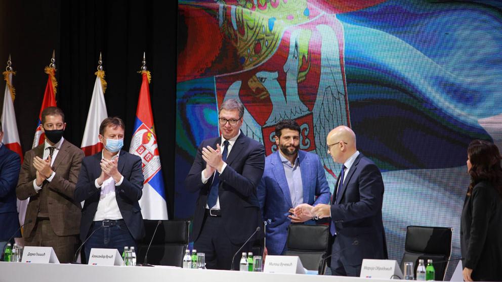 Vučić bi četvrti put mogao da bude izabran za predsednika SNS