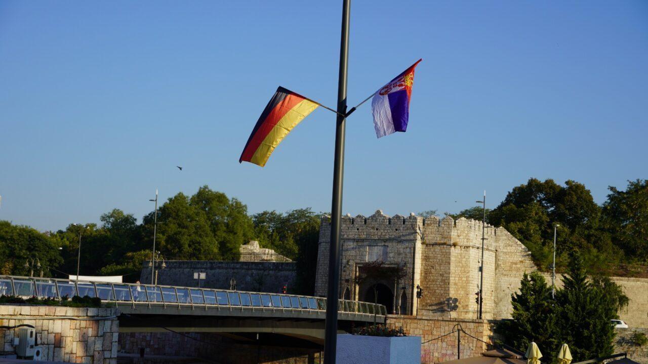 Zastave Nemačke vijore se u Nišu, razlog poseta Angele Merkel Beogradu