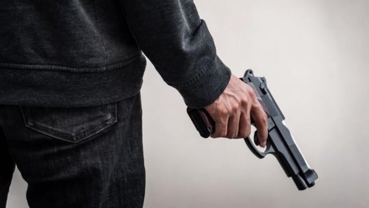 Pucali u vazduh iz auta u Leskovcu, pa uhapšeni