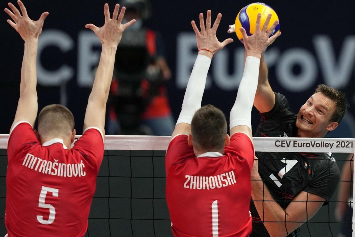 POZNAT I POSLEDNJI POLUFINALISTA EP ZA ODBOJKAŠE: Slovenija bolja od Češke, za finale protiv favorizovane Poljske!