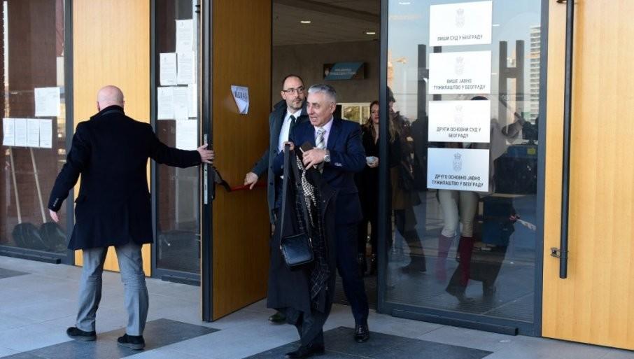 DEMONSTRATIVNO NAPUSTIO SUDNICU: Osuđeni Simonović i njegovi branioci nisu hteli da slušaju obrazloženje sudije o njihovoj opstrukciji postupka